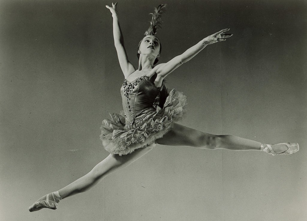 Picture of Maria Tallchief dancing in the Firebird ballet