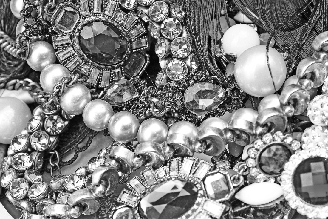 Picture of vintage jewelry
