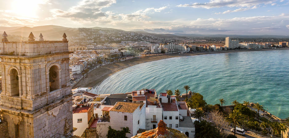 Picture of a beach and city in Valencia, Spain