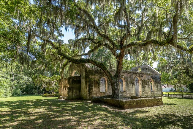 Picture of a chapel ruin on St. Helena Island, South Carolina